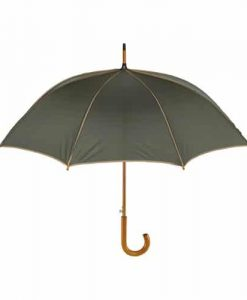 beige paraply med træhåndtag